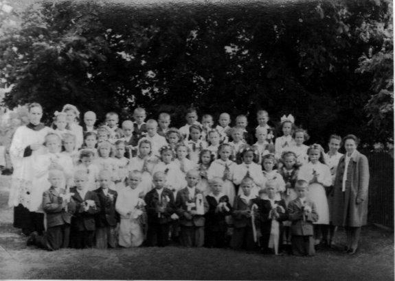 rok_komunii_1944_rocznik_1935